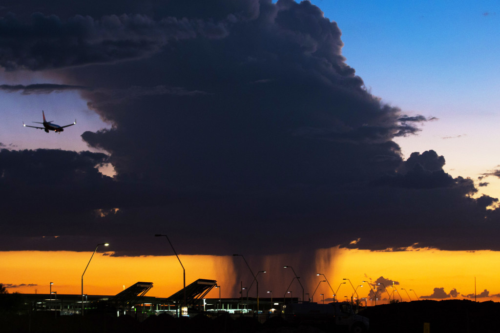A thunderstorm approaches Phoenix Sky Harbor Airport September 13, 2015.